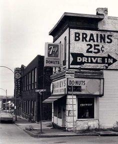 brains 25 cents...drive in (St. Louis, 1978 — Joel Meyerowitz)