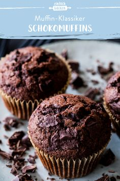 These muffins love everyone! So quick and easy to prepare and incredibly juicy that's our favorite chocolate muffin recipe. The post chocolate muffins appeared first on Win Dessert. Easy Cookie Recipes, Muffin Recipes, Baking Recipes, Paleo Chocolate, Chocolate Chip Muffins, Baking Chocolate, Chocolate Donuts, Pudding Desserts, Dessert Recipes