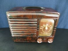 VINTAGE-1940s-ART-DECO-EMERSON-SWIRLED-MARBLED-CATALIN-COLOR-BAKELITE-RADIO