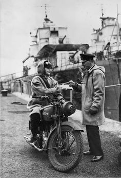 The Wrens: Female Dispatch Riders in WWII ~ Riding Vintage Motos Retro, Female Motorcycle Riders, Motorcycle Wear, Classic Motorcycle, Motorcycle Girls, Vintage Biker, Vintage Motorcycles, Women In History, World War Ii