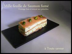 Mille-feuille de saumon fumé fromage frais avocat et pistaches Bonjour à toutes et à tous, ...