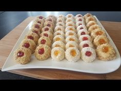 Fursecuri fragede cu gem - YouTube Christmas Baking, Ham, Waffles, Biscuits, Food And Drink, Cooking Recipes, Sweets, Cookies, Make It Yourself