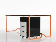 nami office #desk has a beautiful foot rest structure!