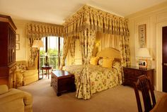 Discover true luxury at The Dorchester, one of London's most iconic hotels. Browse through our exquisite range of luxury rooms and suites. Suite Room Hotel, Hotel Suites, Haymarket Hotel, Dorchester Collection, The Dorchester, Room London, Luxury Rooms, Great Hotel, Victoria