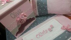 Ajuar nenq...gris y rosa