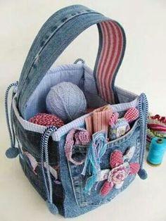 Bolso para accesorios de costura, hecho con jeans reciclados