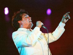 Juan Gabriel: Will hopefully attend one of his concerts