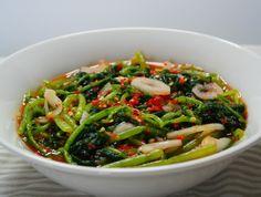 열무김치~입맛을 돋우는 여름김치 ! Korean Dishes, Korean Food, Seaweed Salad, Kimchi, Japchae, Allrecipes, Food And Drink, Veggies, Meals