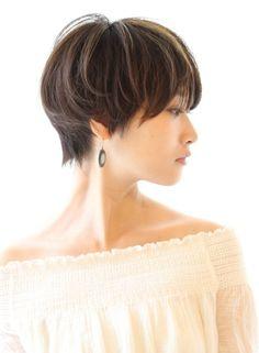 【30代40代】大人女性にオススメボブ(髪型ショートヘア) Cute Hairstyles For Short Hair, Short Hair Cuts, Short Hair Styles, Cute Shorts, Off Shoulder Blouse, Pixie, Latest Fashion, Hair Beauty, Shorter Hair