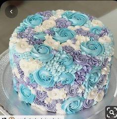 Cake Icing, Buttercream Cake, Eat Cake, Frosting, Cake Decorating Designs, Cake Decorating Techniques, Cupcakes, Cupcake Cakes, Wilton Cakes