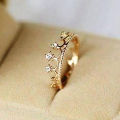 No siempre para ser reina tienes que tener una corona en la cabeza con tu belleza basta. #siendo reina #soy una reina #anillos de corona.