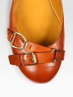Gucci Loafers Women, Loafers For Women, Cute Shoes, Me Too Shoes, Shoe Department, Ralph Lauren Collection, Sandals For Sale, Footprints, Leather Buckle