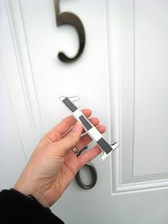 Genius!!! Why haven't I thought of this before? Too bad my door is wooden.