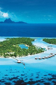 Oh so gorgeous!  Le Taha'a Island Resort & Spa, Tahiti  #summer #vacation