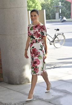 Dressed in a figure hugging floral dress Victoria is attending the annualFriends of the Nationalmuseum in Stockholm