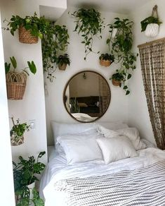 Bedroom Decor Fascinating Ideas On A Budget For Boho Bedroom With Plants And Textiles;Bohemian Bedroom Decor And Bedding Design Ideas Couple Bedroom, Small Room Bedroom, Modern Bedroom, Contemporary Bedroom, Master Bedroom, Small Rooms, Bed Room, Bedroom Brown, Bedroom Romantic