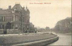 Klein Weezenland, ca. 1905, (vanaf 1933 Burgemeester van Roijensingel), nr 18: woonhuis familie Van Diggelen (gebouwd 1883-1885 door architect S.J.H. Trooster in opdracht van J.F.G. van Reede). Nog geen bomen geplant.