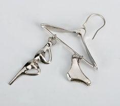 sterling silver earring in the shape of a hanger Hi Tek  $28