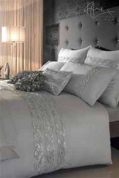 Bedroom ideas for modern to rustic schemes. Tips and tricks for creating a master bedroom decor. Dream Bedroom, Home Bedroom, Living Room Furniture, Bedroom Decor, Bedroom Ideas, Bedding Decor, Pretty Bedroom, Master Bedrooms, Bedroom Designs