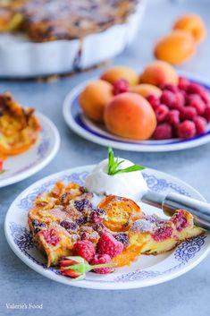 CLAFOUTIS CU CAISE ȘI ZMEURĂ I Rețetă + Video – Valerie's Food French Toast, Breakfast, Food, Morning Coffee, Essen, Meals, Yemek, Eten