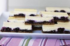 Simple and very yummy blueberry cheesecake recipe! :)    (from Kraftcanada.com)