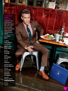 Mix 'n' Match! These are the Colors You Can Wear With Brown Pants ...