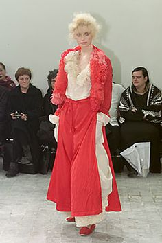 Comme des Garçons Spring 2000 Ready-to-Wear - Collection - Gallery - Style.com