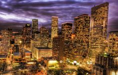 Are you thinking of living in Houston, TX? Find a job in Houston, start a business, or raise a family. What to expect when moving to Houston, Texas. City Wallpaper, High Rise Building, Photos Du, Images Photos, Us Travel, Texas Travel, Travel Abroad, Travel Guide, Bel Air