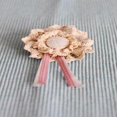 Room gehekelde lint blom borsspeld. R45