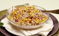 Para o final do dia, prepare uma salada de delícias do mar com milho e iogurte :) Clique aqui: http://www.teleculinaria.pt/receitas/entradas-e-petiscos/salada-de-delicias-do-mar-com-milho-e-iogurte/?utm_content=buffere1339&utm_medium=social&utm_source=pinterest.com&utm_campaign=buffer
