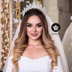 Most Beautiful Wedding Makeup Crown Hairstyles, Elegant Hairstyles, Formal Hairstyles, Bride Hairstyles, Bridal Hair And Makeup, Wedding Makeup, Hair Makeup, Quinceanera Hairstyles, Wedding Hair Inspiration