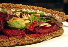La Pocha en Madrid: Sandwiches y ensaladas sanas en un bar de copas | DolceCity.com