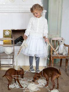 Girl's Lace Skirt 12/2012  free pattern