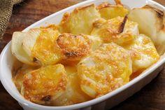 A rakott krumpli szaftosan az igazi: 7 tipp, hogy fenséges legyen a végeredmény - Technológia   Sóbors Scalloped Potatoes With Cream, Cheese Scalloped Potatoes, Scalloped Potato Recipes, Scallop Recipes, Scolloped Potatoes, Easy Mushroom Soup, Potatoes Au Gratin, Sliced Potatoes, Baked Potatoes