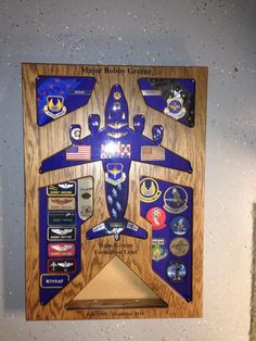 Creative DIY Shadow Box to Surprise Beloved Ones & Beautify Home Interior Retirement Gifts, Military Retirement, Retirement Ideas, Military Life, Flag Display Case, Display Cases, Marine Corps, Military Shadow Box, Military Crafts
