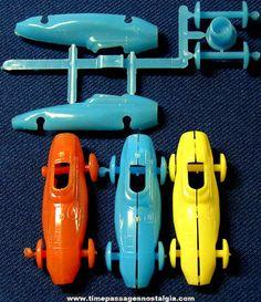 vintage cereal prizes   Old Hard Plastic Cereal Prize Miniature Model Kit Race Cars