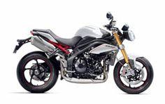Légère et puissante, la Triumph Street Triple est une moto au look agressif et à l'attitude sportive. Profitez de son agilité et de ses performances pour aller où votre instinct vous mènera.