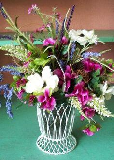 White Wire Vase $22