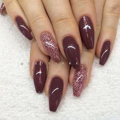 #mulpix Påfyll/förstärkning på naturliga naglar med roséglitter och Stylish Brown 075 från Semilac/ www.nagelbutiken.se