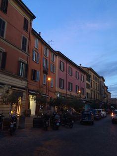 Bologna, Piazza Aldrovandi al tramonto