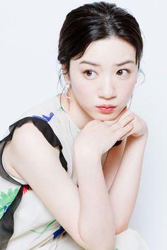 Posted by Sifu Derek Frearson Beautiful Japanese Girl, Cute Japanese, Japanese Beauty, Japan Woman, Japan Girl, Most Beautiful Faces, You're Beautiful, Young Actresses, Nagano