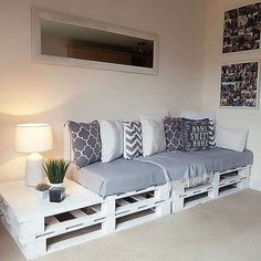 Pallet Wood Utilizing Ideas For A Wonderful Home – DIY Motivations – Paletten Ideen Diy Furniture Couch, Diy Pallet Furniture, Home Decor Furniture, Furniture Projects, Furniture Makeover, Furniture Design, Furniture Storage, Diy Projects, Pallet Ideas For Bedroom