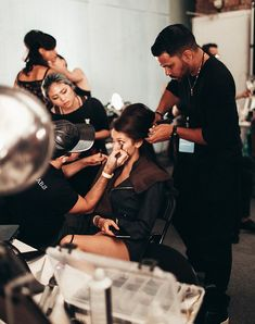 Backstage Anna Sui for R+Co at NYFW | By Tezza
