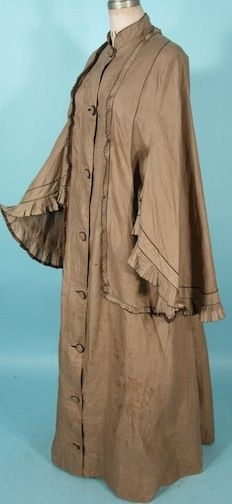 1870s-80s Carriage Coat {Antique Dress} | Interesting pre-motor motorcoat.