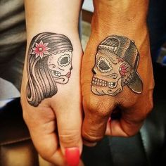 Ink Your Love With These Creative Couple Tattoos paar Tattoo-Ideen Sexy Tattoos, Bild Tattoos, Skull Tattoos, Trendy Tattoos, Cute Tattoos, Unique Tattoos, Tattoos For Women, Tattoos For Guys, Awesome Tattoos