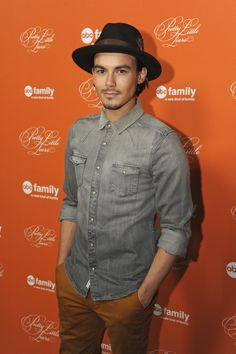 p Cant wait for PLL! Tyler Blackburn at the Hollywood Forever Cemetery to celebrate the Pretty Little Liars Halloween Special Ashley Benson And Tyler Blackburn, Chad Lowe, Laura Leighton, Young Johnny Depp, Hollywood Forever Cemetery, Pretty Little Lairs, Club Shirts, Me Tv, Good Looking Men