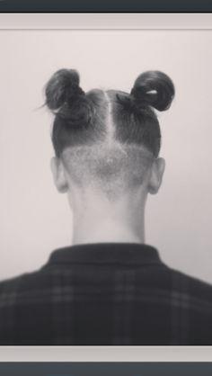 Shaved back #ontrend
