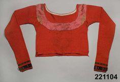 Spedetröja i ull med dekor av sidenband; Skytts, 1830-50. Nordiska Museet, nr. NM.0221104