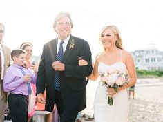 Cape May Wedding Florist - A Garden Party florist - Rach Loves Troy Photography - Events by Renee - Beach Club of Cape May - blush wedding - hair flowers - beach wedding - peonies