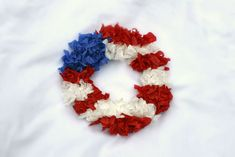 4th of July crafts for kids - American flag tissue paper wreath